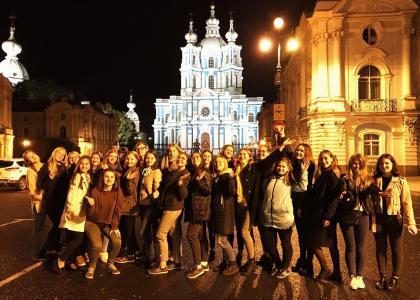 Первокурсники СПбГПМУ познакомились с историей Петербурга