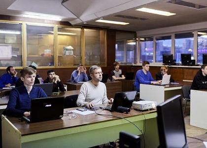 Студенческий семинар по робототехнике Бизнес-инкубатора «Инкубис»