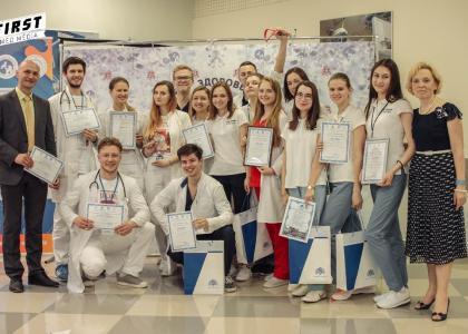 Команды СПбГПМУ заняли 2 и 3 место на олимпиаде «Виртуоз педиатрии»