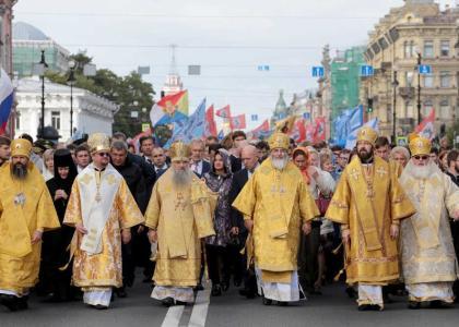 Педиатрический университет принял участие в общегородском крестном ходе