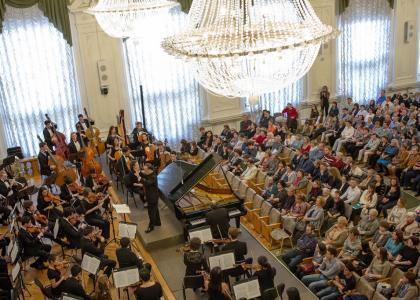 Йельский симфонический оркестр дал в Белом зале единственный концерт в Петербурге