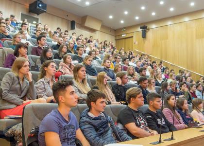 Студентам Политеха рассказали, кто управляет нашим поведением в интернете