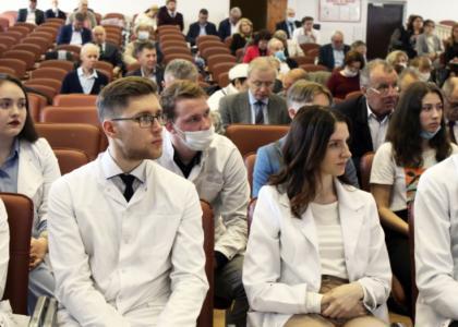 Студентов Педиатрического университета поблагодарили за борьбу с COVID-19
