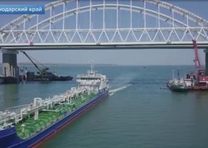 Отряд «Две столицы» завершает возведение опор железнодорожной части Крымского моста