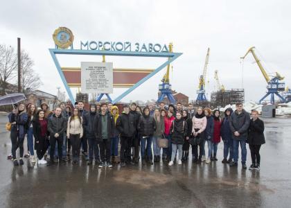 Будущие кораблестроители посетили Кронштадтский морской завод