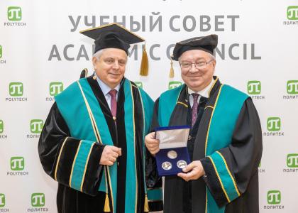 Почетным доктором СПбПУ стал летчик-космонавт, дважды Герой Советского Союза Владимир Соловьёв