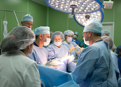 В СПбГПМУ провели уникальную операцию роженице с опухолью