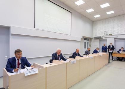 Секретарь Совета Безопасности РФ Николай Патрушев провел в СПбГМТУ совещание по вопросам подготовки инженерных кадров для судостроения и авиастроения
