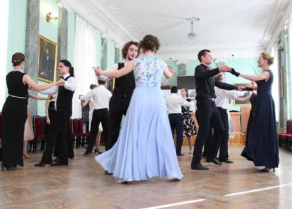 Подведены итоги первого сезона Школы бальных танцев РГПУ им. А.И. Герцена, открыт набор на 2017-18 учебный год